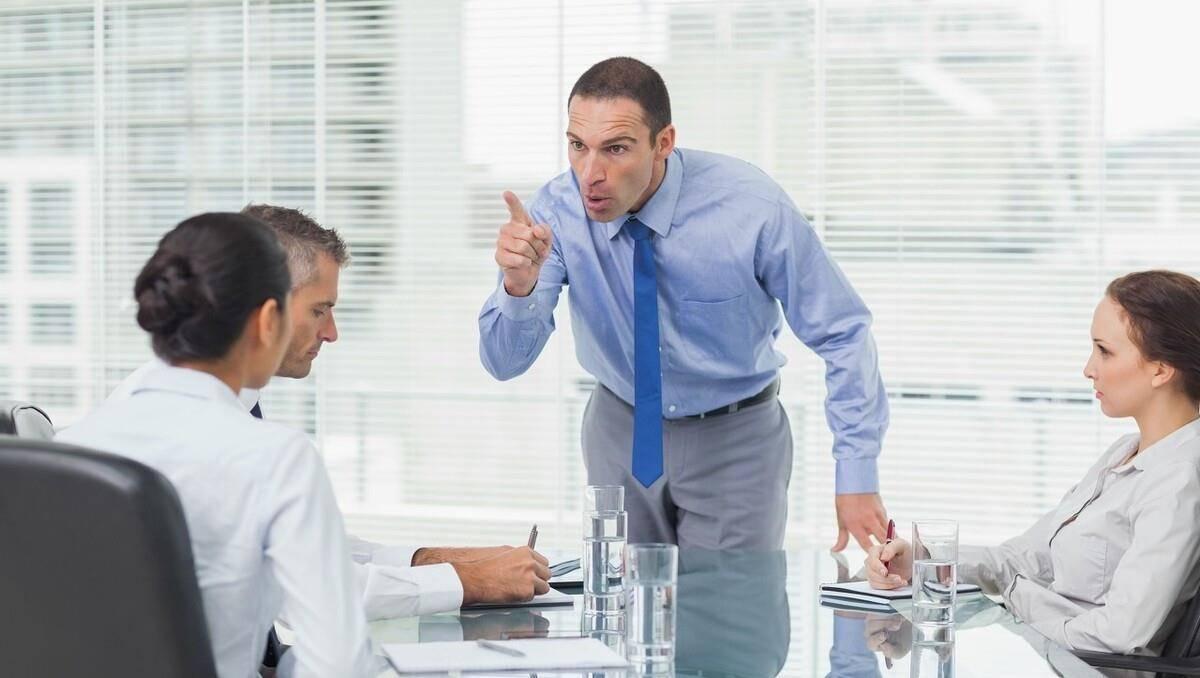 办公室被三个老板玩弄故事 老板的故事