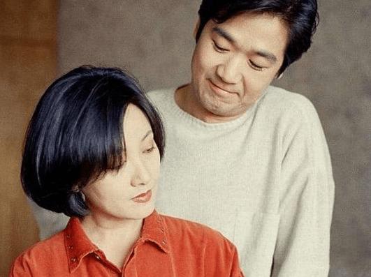 她曾是张国立的老婆,离婚31年仍然孤身一人,儿子是她一生的痛