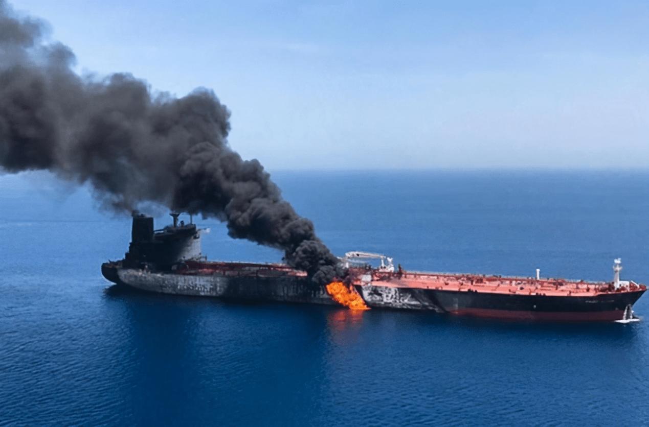 伊朗油轮再遭打击,至少3人死亡,以色列军方新一轮袭击在路上?