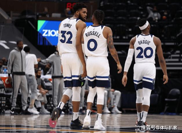 原创             NBA爆大冷!联盟第1领先18分遭逆转,快船狂输17分,西部酝酿变天