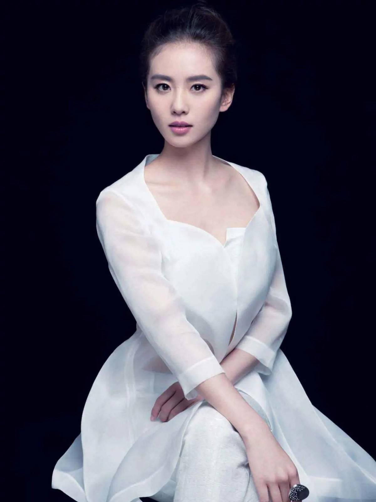 刘诗诗谈育儿理解,网友拿李湘做对比