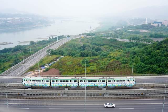 原创             鱼洞长江大桥,重庆唯一可观火车与轮船竞速、汽车和轻轨赛跑的桥