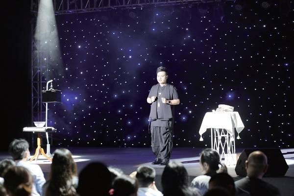 """第二届""""墨·彩""""文化艺术节在台湾小镇举办"""