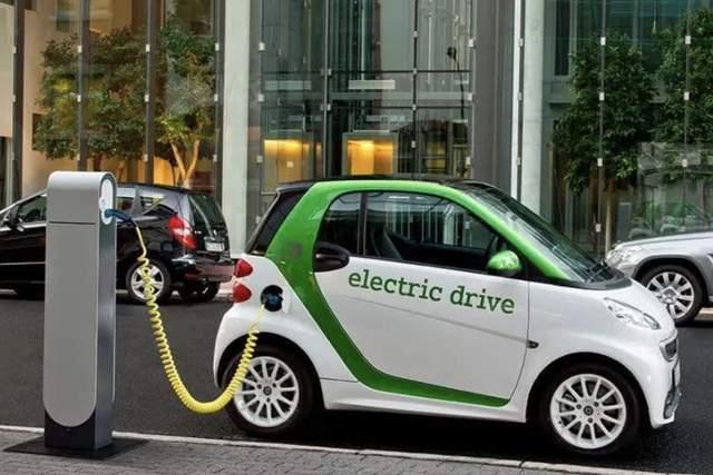 一样的马力,不一样的底盘结构,纯电和混动怎么选?_汽车