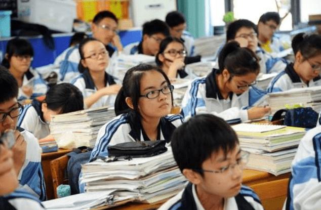 中考将分流50%,一半学生只能去读职高?家长坦言:对男生不公平