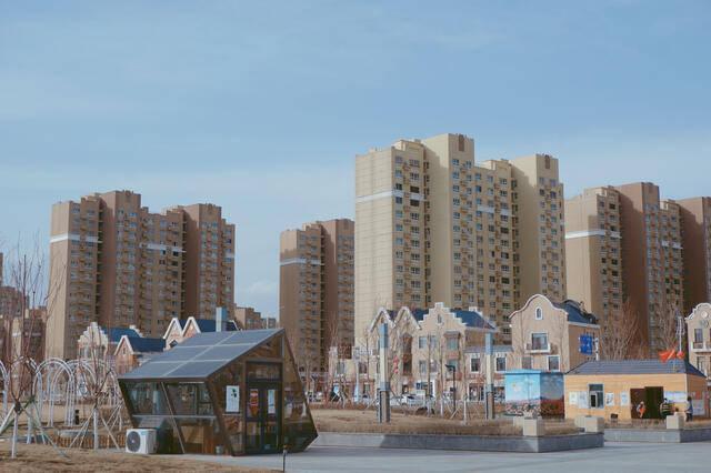 北京人均gdp_实拍新疆最富有的城市,人均GDP远超北京、上海,房价却比县城低