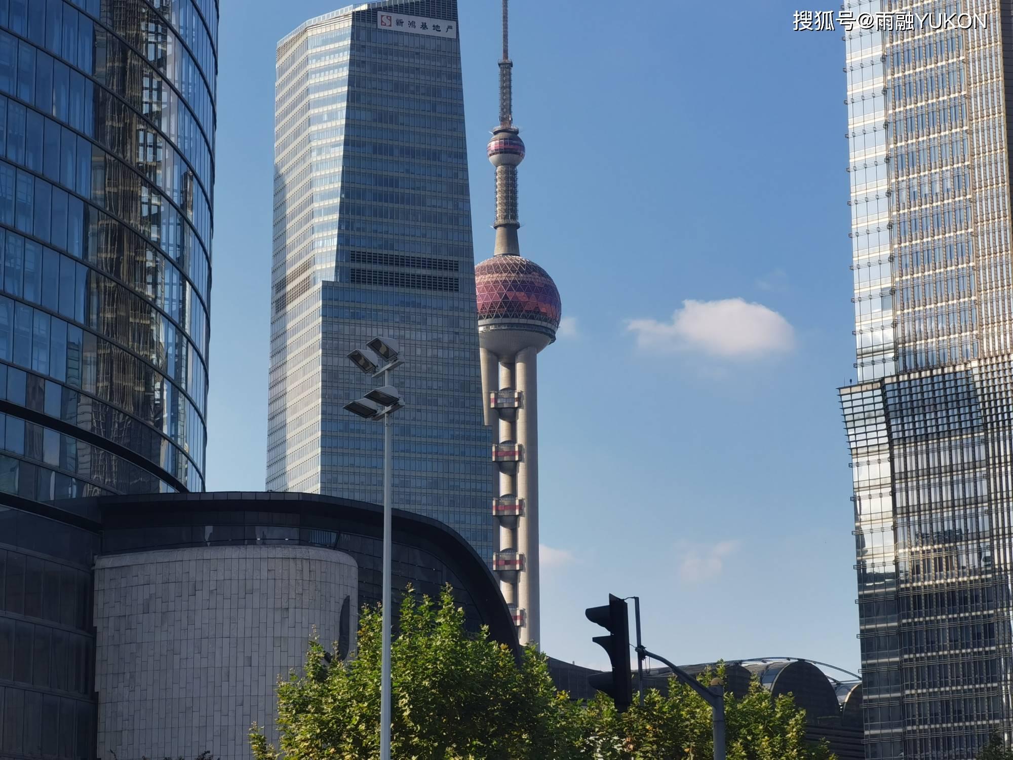 国内gdp排名_金融全球第三的中国城市:GDP超9成国家,家庭平均年收入82.5万