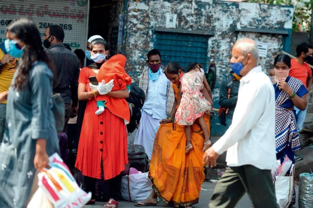 疫情在印度为何被漠视?这个国家的上层和底层人群都有更重要的事