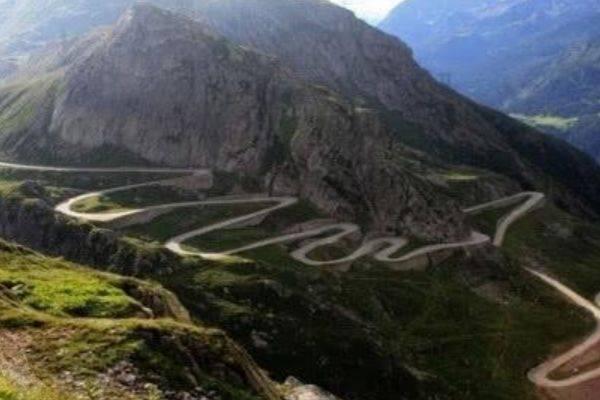 """中国最""""搞笑""""的公路,本想是节约成本,却意外成为了世界奇迹"""