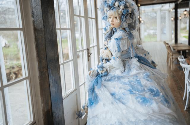 图片[5]-穷人不配玩Lolita?谢安然晒鞋柜:300双鞋花百万,最贵一双3万元-妖次元
