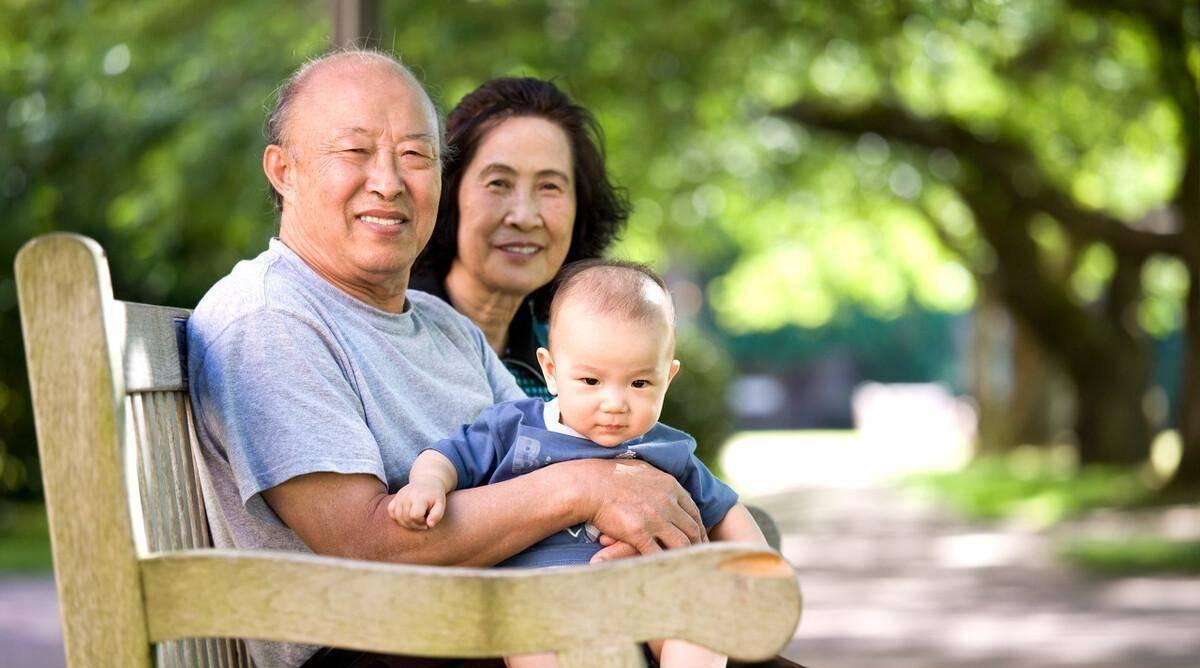 怎么让瘫痪老人早点死 半边瘫痪的人能活多久