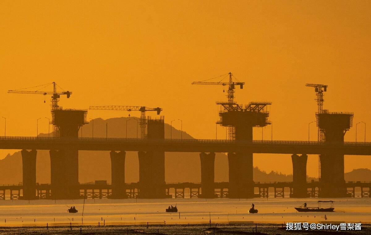 我国首条跨海高铁,时速350公里能抗11级暴风,串联多座明星城市