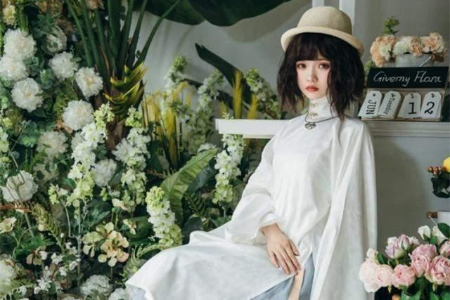 图片[2]-LO娘穿汉服充满违和感?谢安然秀出大妈拍照同款姿势,却成绝绝子-妖次元