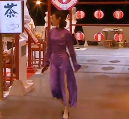 王鷗的身材有多好?穿高開叉裙蹲下的那一刻,網友:是心動啊!