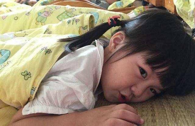 「午睡」和「不午睡」的孩子有哪些差距?區別一看就看出來了