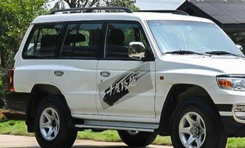 後悔提HIGHLANDER,升級版「Pajero」比Range Rover還氣派