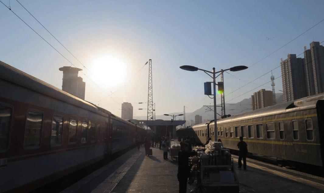 """国内的""""错别字""""火车站,错字67年未改,专家:更有特色"""