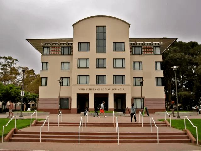 美国有哪些名字听起来很「野鸡」,但实际上却很厉害的大学?GRE成绩要求是?