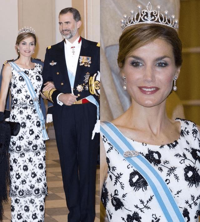 原创             西班牙王后气质真好,穿4千元西装配祖传项链,笑出皱纹依旧高贵