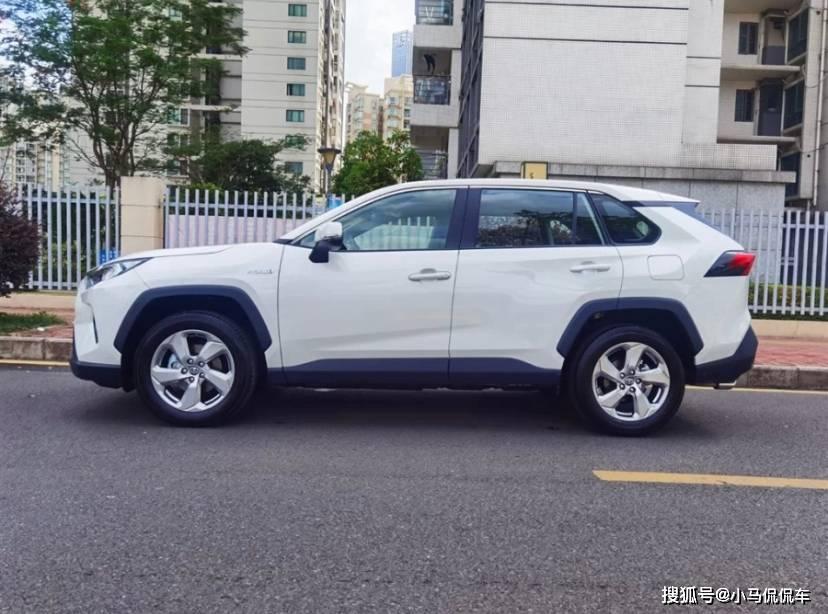 豐田真的很懂華人!優惠1.4萬喜提雙擎版榮放,分享真實用車感受
