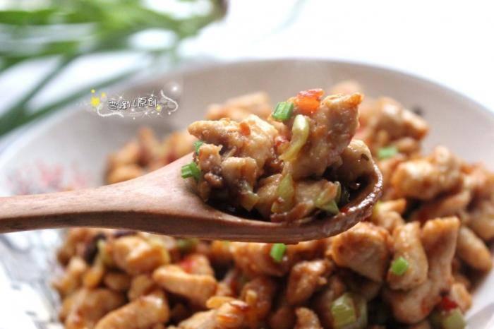 這菜簡單2步就做好,低脂鮮香又下飯,米飯都多吃一碗,孩子喜歡