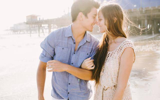 """图片[2]-男人说""""累""""的时候,女人这样做,他会更爱你!-泡妞啦"""