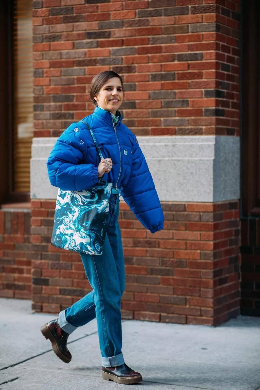 """""""长外套""""最终还是被""""它""""取代了!洋气又显腿长 潮人都在穿-家庭网"""