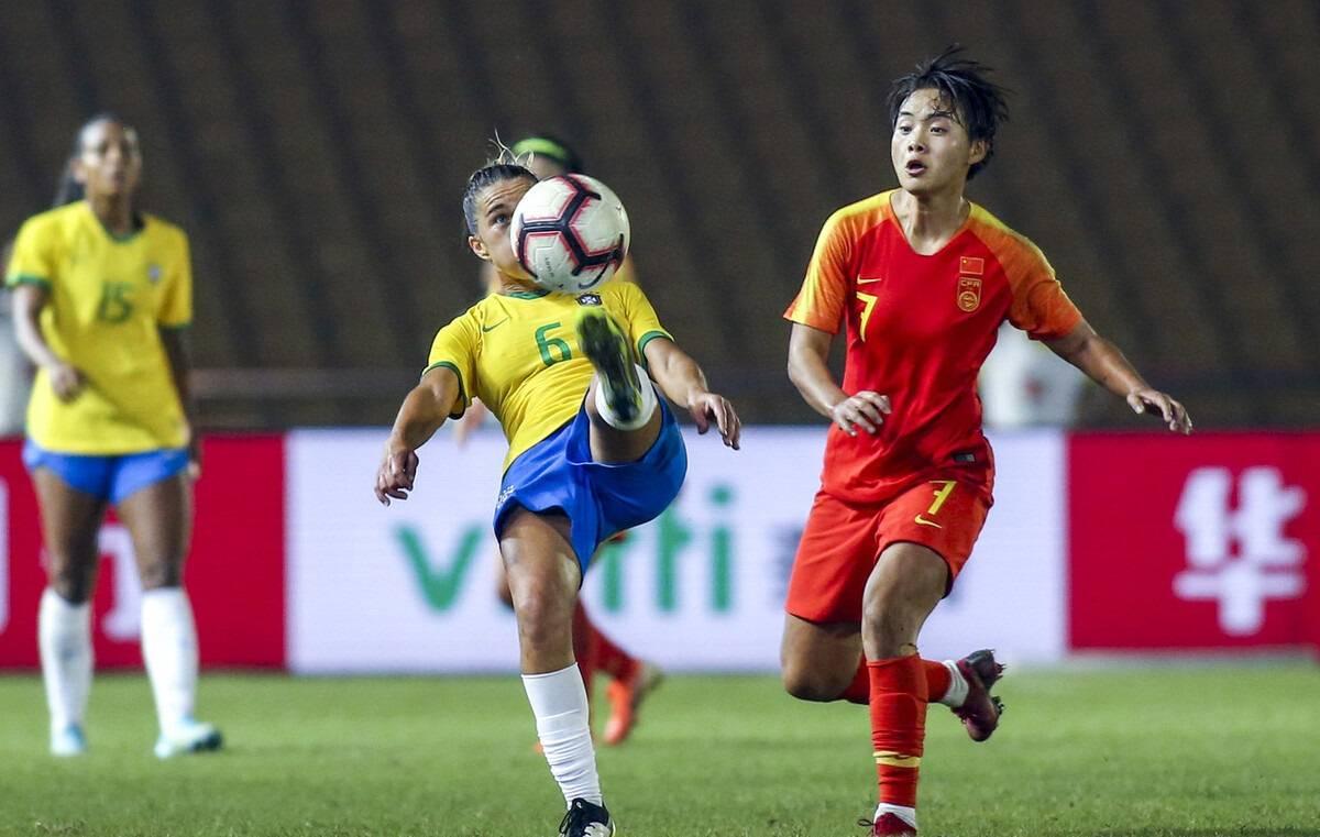 英超豪门有两名亚洲球星了!一名韩国孙兴慜,一名中国女足国脚_哇哈体育注册