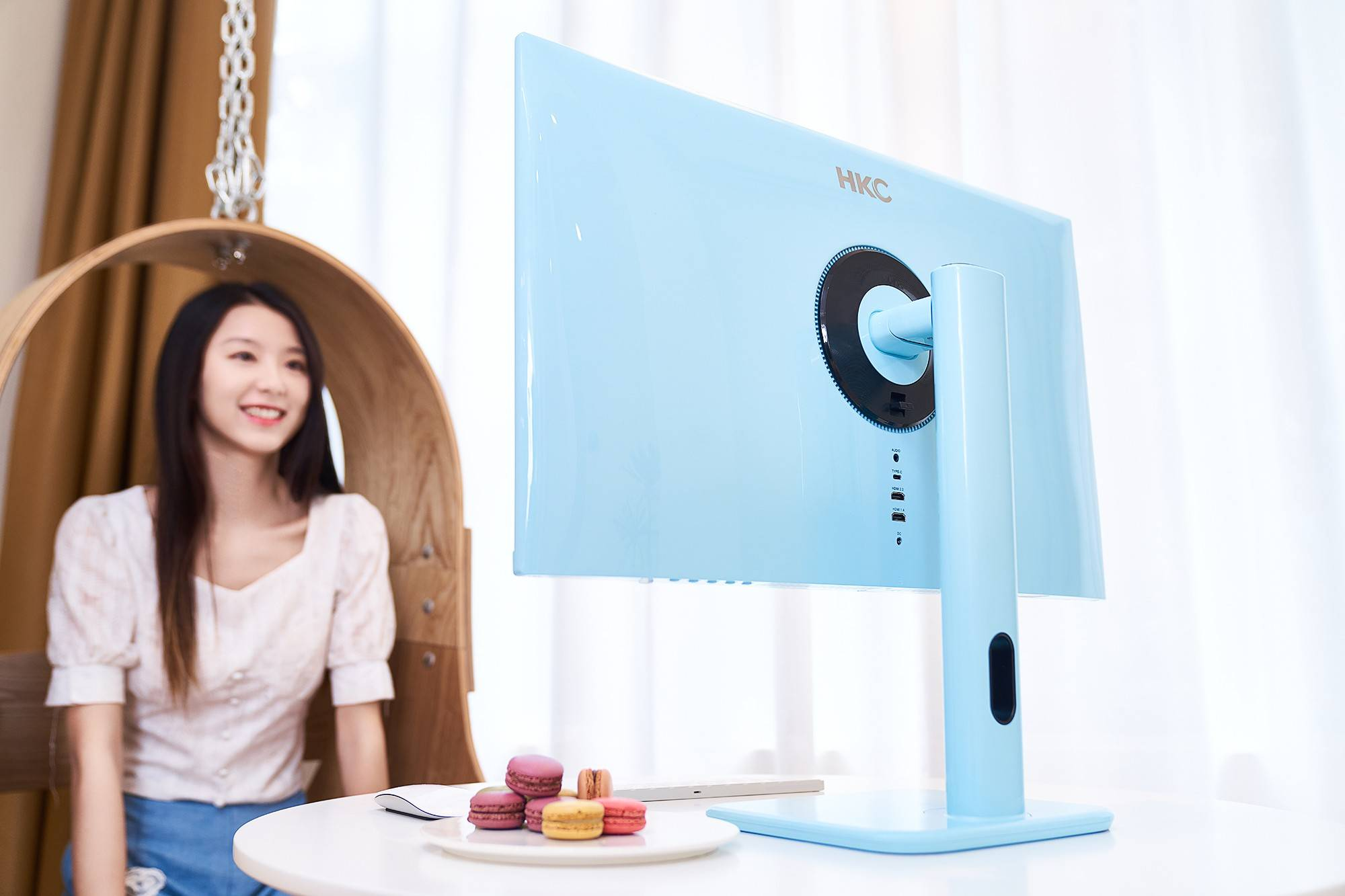 HKC发布马卡龙多彩显示器:桌面大改造,多彩生活趣潮流