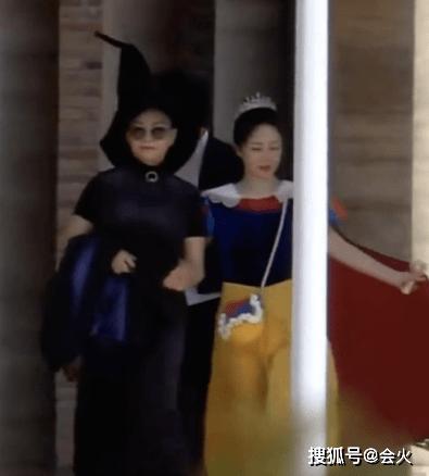 """杨紫宋丹丹世纪大同框,""""母女""""二人相聚,秒回《家有儿女》"""