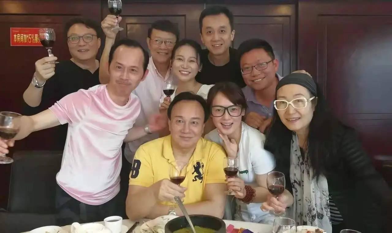 吴家辉的老婆图片 黄伟香吴家辉的结婚照