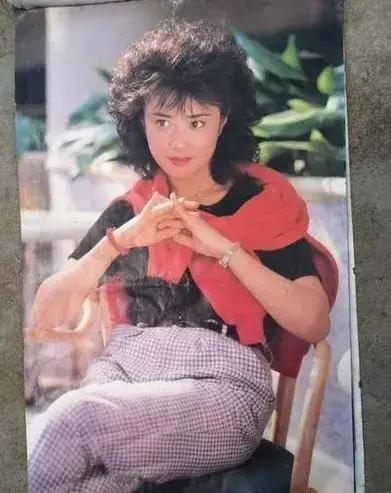 图片[40]-八九十年代的女明星挂历,复古又雷人,都是青春的记忆,好怀念啊-妖次元