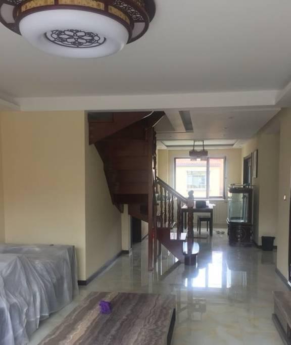 爸妈花50w装的新房,头一眼看到我的卧室,我想回宿舍,太老气了