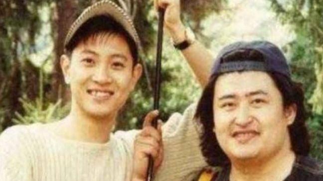 曾和刘欢齐名,为母亲三拒春晚邀请,当红时出车祸今49岁无人识