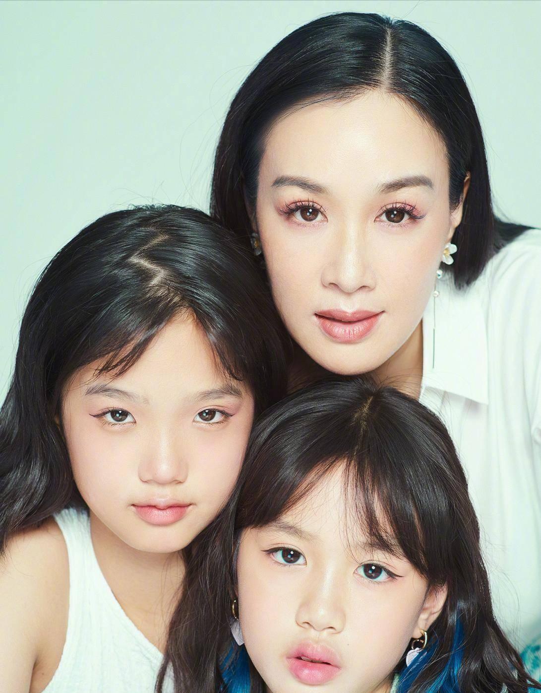 """钟丽缇两个小女儿,穿""""家居服""""拍照似大片,遗传了妈妈的好基因"""