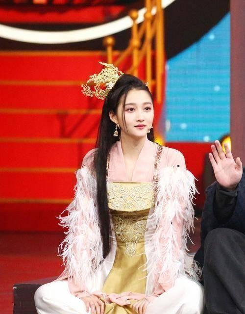 """都说""""长公主""""的发型丑,但换上关晓彤的脸后,这差距也太大了!"""