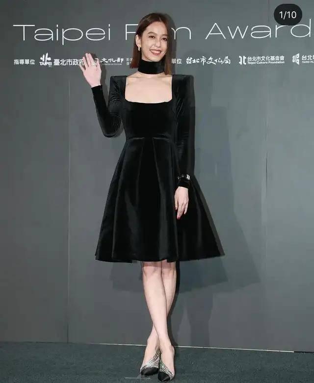 图片[1]-林心如变脸认不出,人均又土又俗,台北电影节红毯,把我丑笑了-妖次元