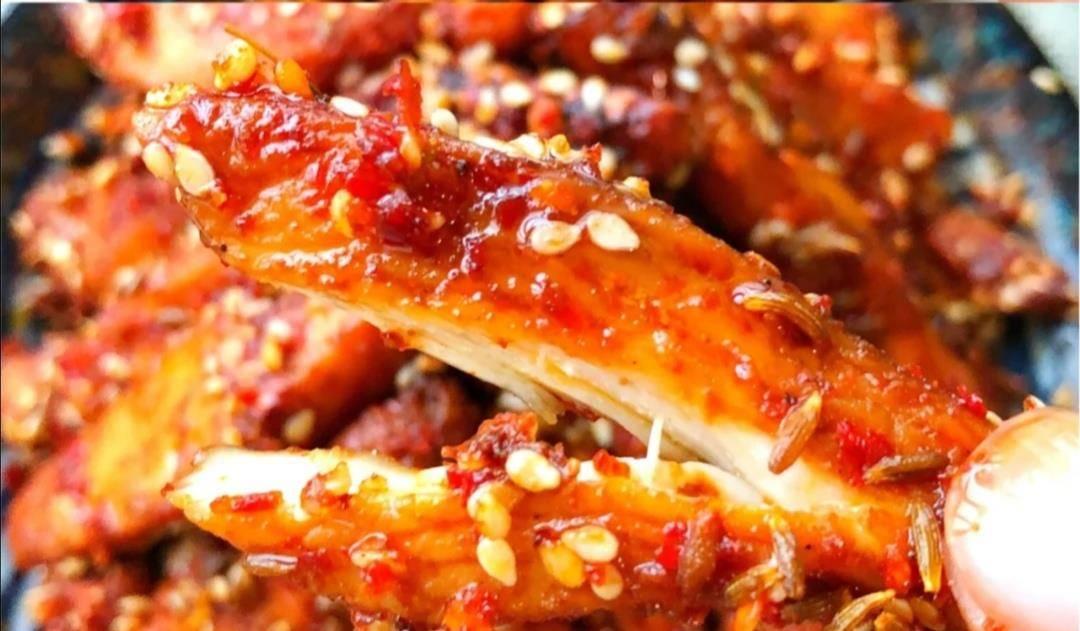 做法|比烧烤好吃的孜然鸡胸肉条,超解馋!
