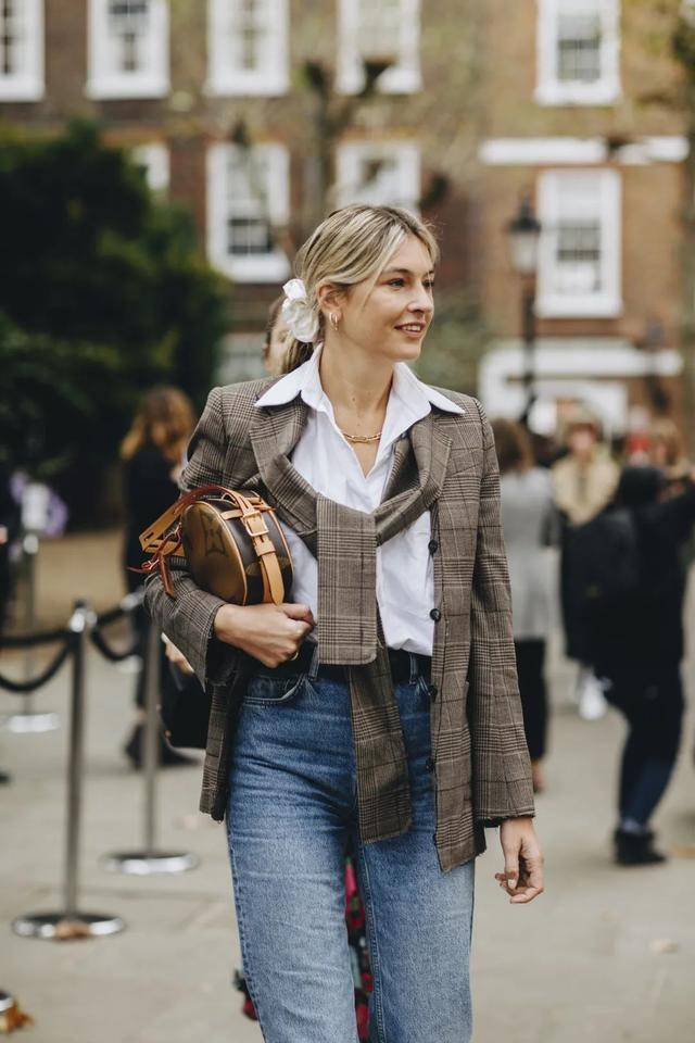 秋冬出镜率超高的西装款,时髦又气质,出街必备裤装短裙连衣裙