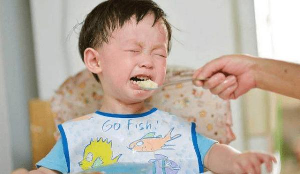 """你家孩子是合格的""""干饭人""""吗?孩子不爱吃饭,几招教你解决"""