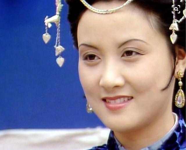 《红楼梦》里最严厉的管理者是凤姐,为何后来她也放水了?