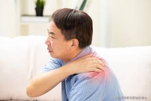 """別把肺癌當成肩周炎,肩膀若有一個表現,可能是肺部在""""求救"""""""