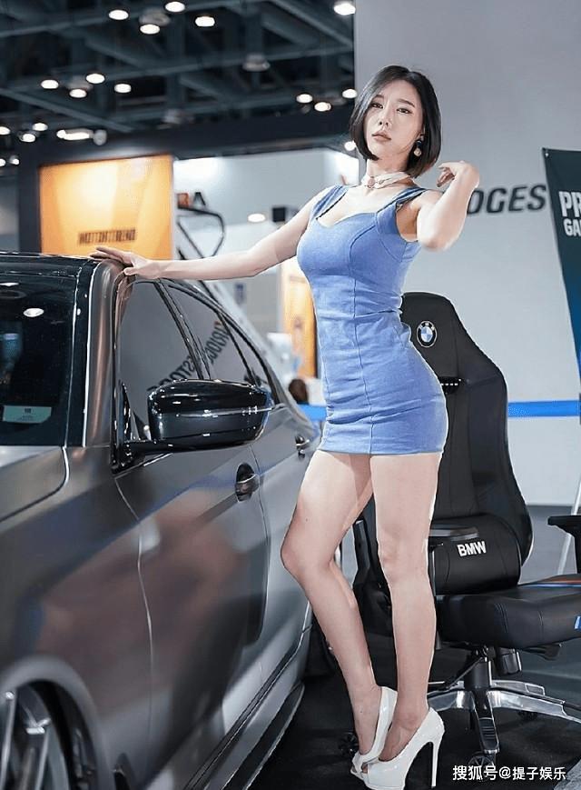 韩国美女车模,模样甜美身材火辣,百看不厌