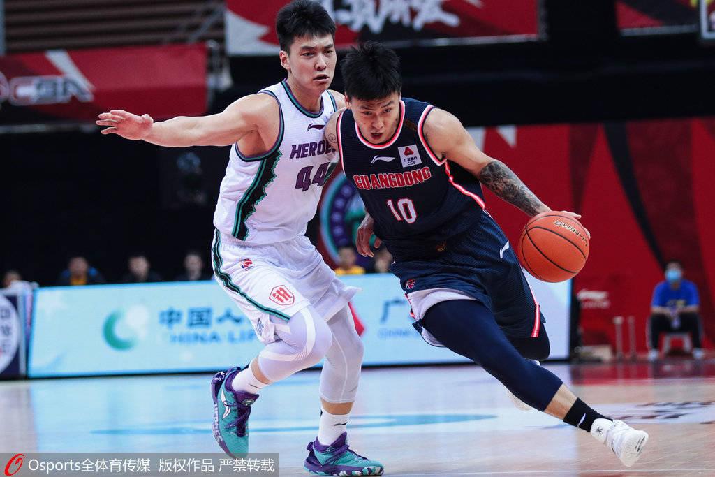 赵睿29分哈德森31+13 广东擒山东总分2-0进总决赛