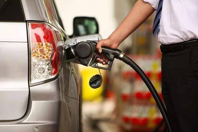 新手汽車加油注意事項,別不當回事!