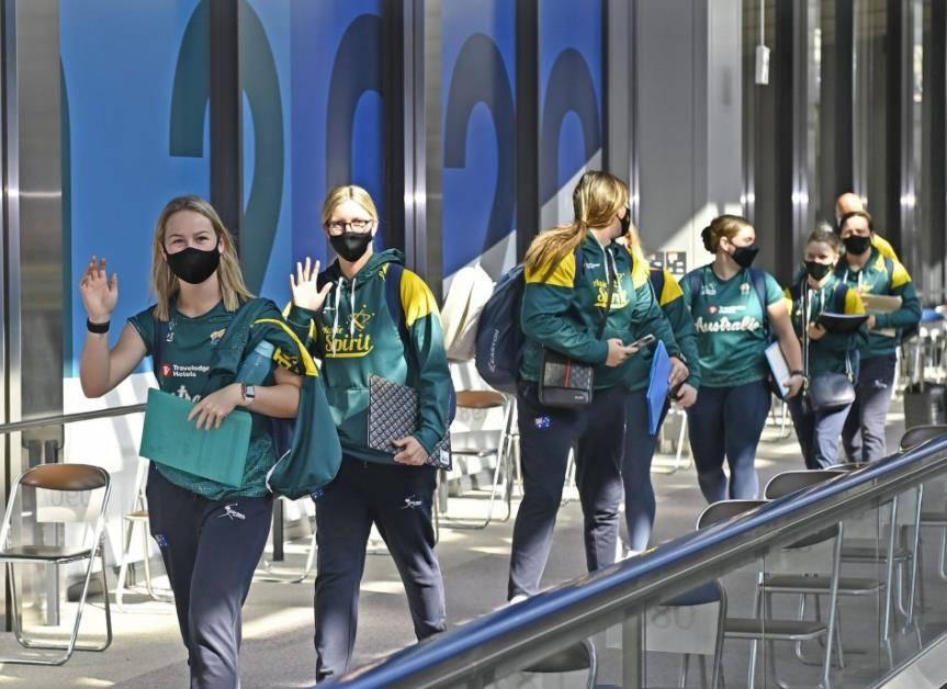 首支奥运队抵达日本 全程封闭周