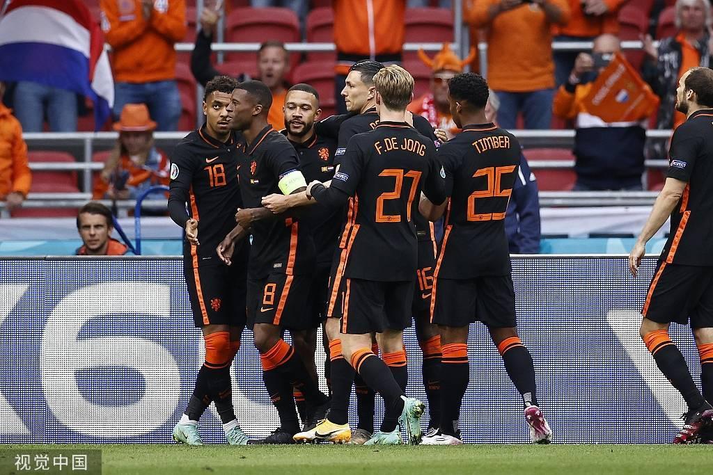 德佩传射维纳尔杜姆双响 荷兰3-0北马其顿
