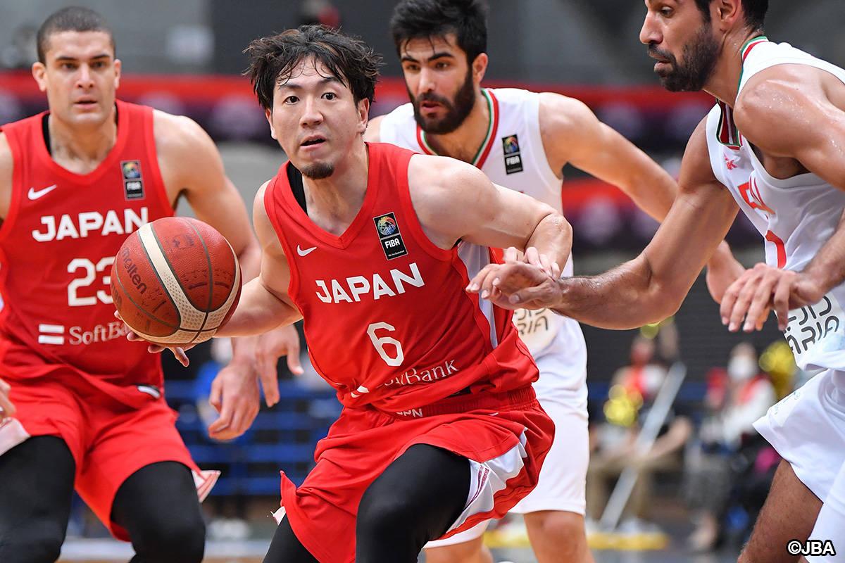 日本男篮28分大胜伊朗 归化内线砍下21分7篮板
