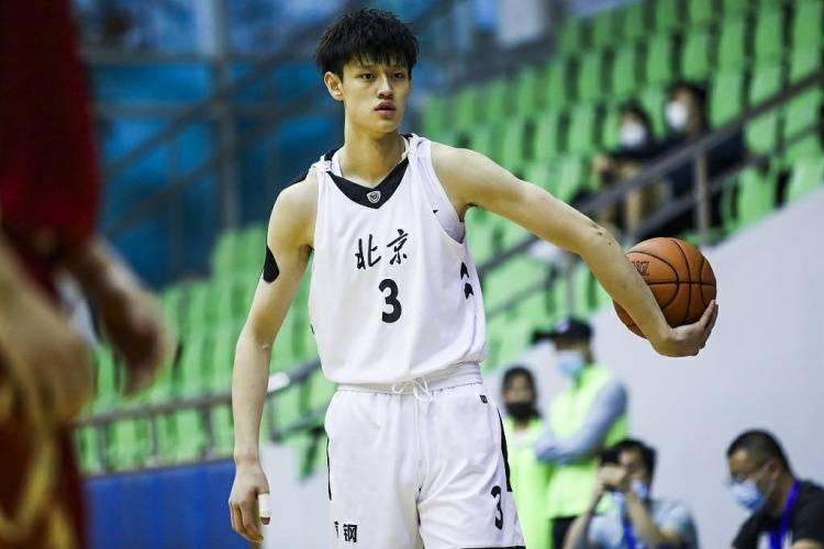 曝曾凡博与北京队达成一致 代表首钢出战U19比赛_哇哈体育主管