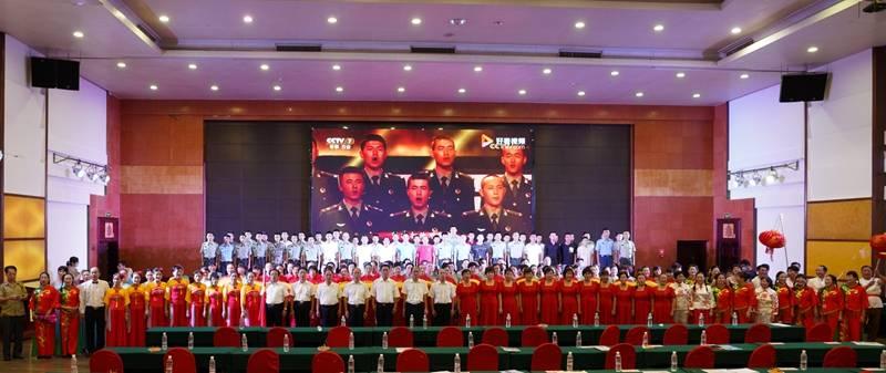 合浦县举办欢迎退役军人返乡文艺晚会